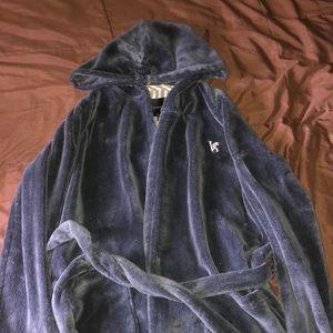 Plush VS long bathrobe